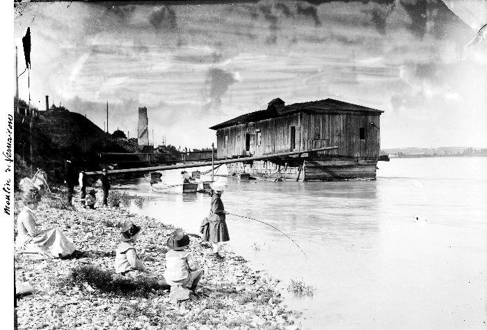 Bateau-moulin à Vernaison